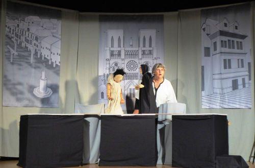 Frz._Theater_2